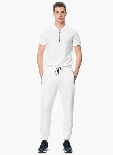 Que Slim Fit Fermuarlı Tişört Beyaz
